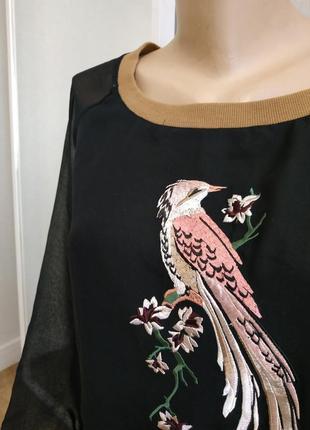 Черный свитшот с вышивкой бренд2 фото