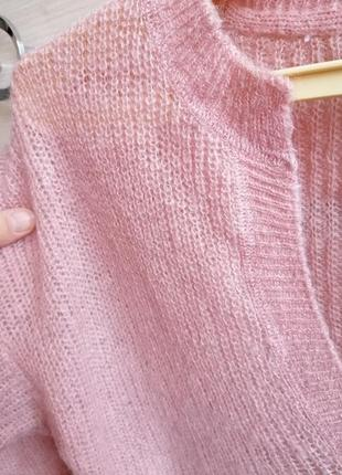 Пудровый мохеровый свитер
