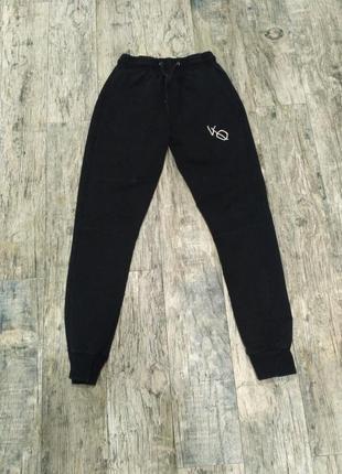 Спортивние штани для девочки 152-158см vanquish