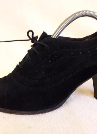Натуральные замшевые туфли фирмы bata by vera pelle p. 40 стелька 26 см