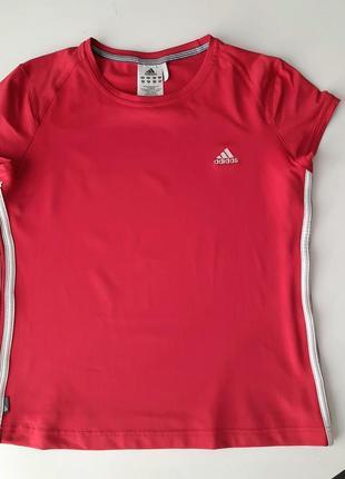 Классная спортивная футболка adidas 👍👍👍👍