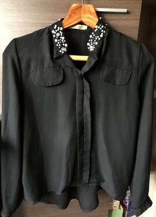 Черная блуза с жемчужным воротником 🌿