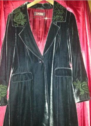 Пальто велюровое темно-фиолетовое