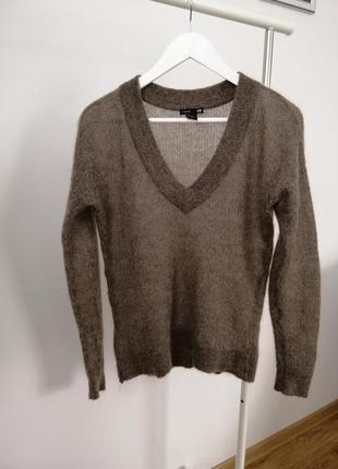 Мохеровий светр