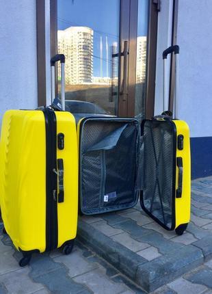 Качество!пластиковый чемодан для ручной клади желтый/валіза пластикова жовта