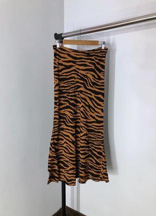 Крутая юбка миди в тигровый принт