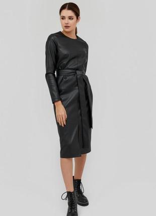 Кожаное платье миди,платье из эко кожи с разрезом впереди,кожаное платье под пояс cardo.