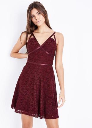 Очень красивое кружевное платье от new look рр 16 наш 50