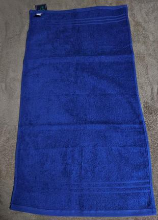 Махровое полотенце василькового цвета