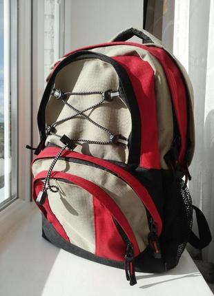 Спортивный рюкзак треккинговый