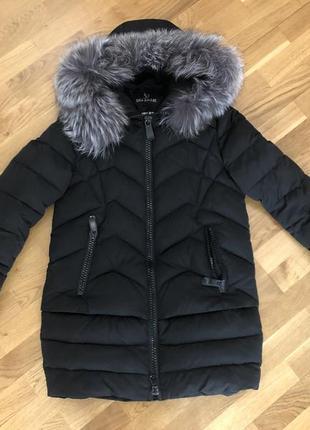 Зимня куртка вдягнема 3-4 рази!!практично нова!!