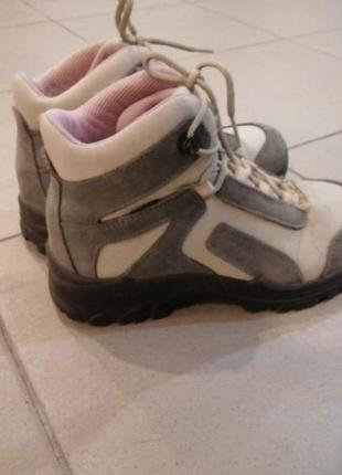 Ботинки туристические, на девочку2 фото
