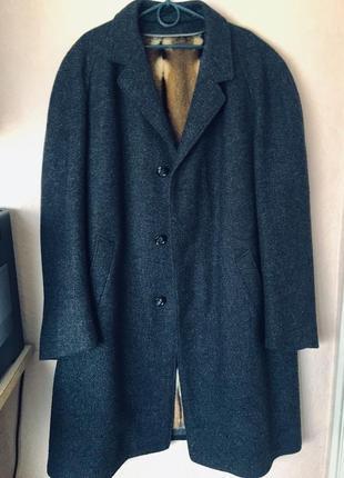 Шерстяное пальто с меховой подкладкой