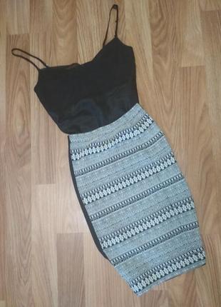 Стильная юбка карандаш черная белая с этническим принтом