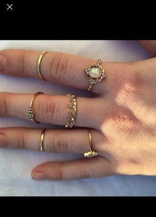 Кольца, 15 грн за штуку с камнем , 10 грн за обычное кольцо
