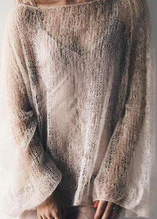 Нежный вязаный свитер из кид мохера