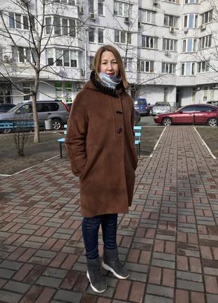 Шикарное женское пальто с норковой окантовкой на капюшоне