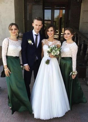 Свадебное платье с открытой спиной а силуэта на маленькую девочку
