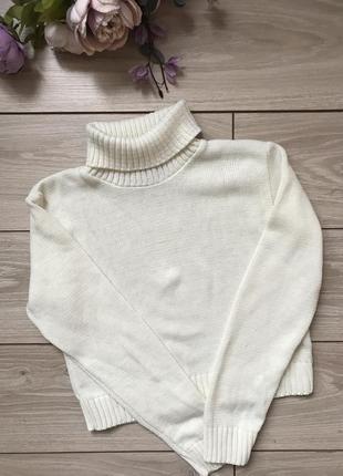 Укорочённый свитер с воротом горлом размер s m