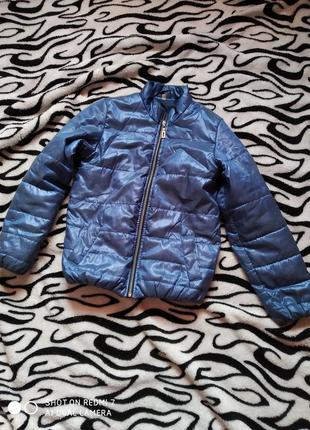 Весняна курточка 134-140см.