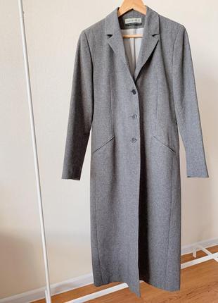 Стильное базовое пальто