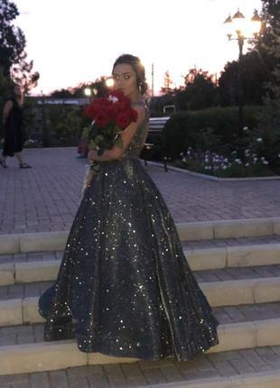 Невероятной красоты платье2 фото