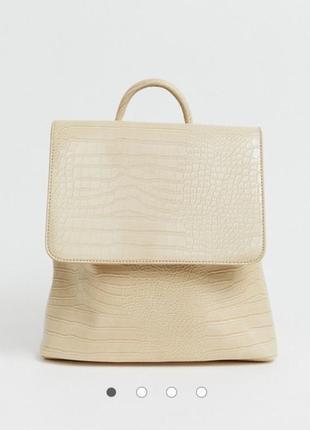Трендовый рюкзачок с кремового цвета с тиснением под крокодила