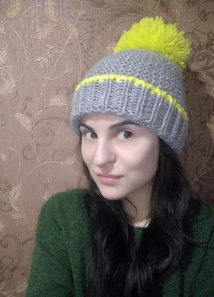 Теплая шапка next
