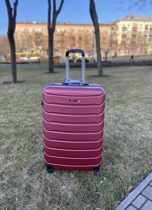 Качественный чемодан