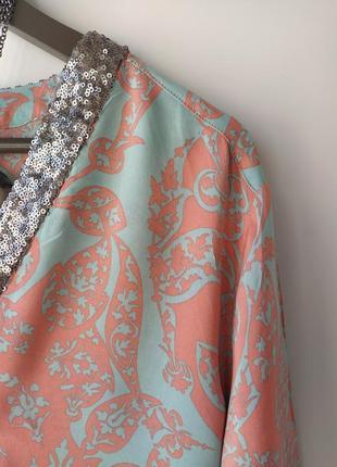 Красивая блузка из вискозы от cartoon,воротник паетки