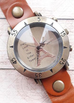 Шикарные женские часы в ретро стиле.