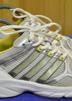 Женские кроссовки adidas response stability