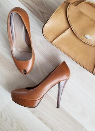 Стильные туфли с открытым носком,красивый цвет