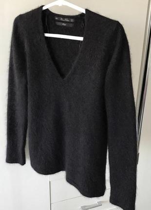 Крутой пушистый свитер из ангоры
