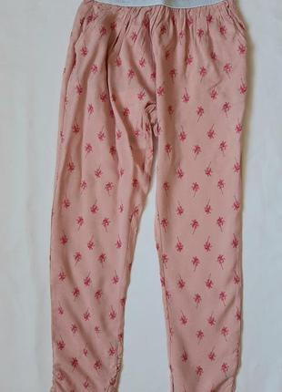 Легкие летние брюки на девочку 8-10 лет