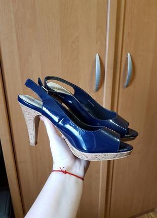 Туфли, босоножки, синие туфли на среднем каблуке, лаковые туфли с открытым носком
