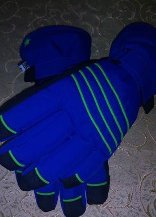 Очень тёплые перчатки германия лыжные.