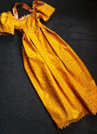 Золотое вечернее платье6 фото