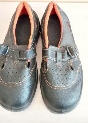 Ботинки, сандали рабочие р.37