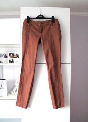 Коричневые брюки от new look