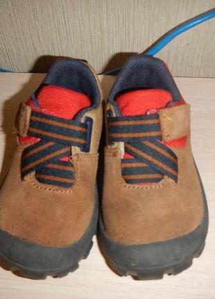 Кожаные кроссовки туфли decathlon р.21(13,5см)