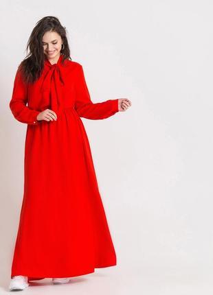 Сукня довга червона