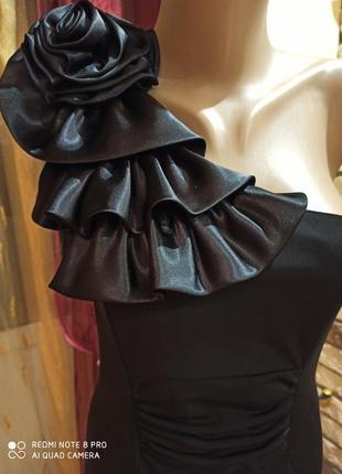 Красивое вечернее коктейльное платье на одно плечо