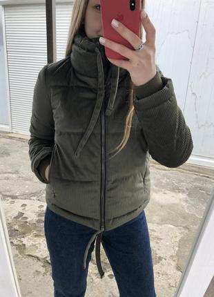 Куртка короткая хаки зелёная вельветовая весенняя