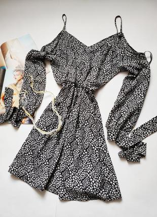 Оригинальное платье с интересным дизайном atmosphere распродажа акция1 фото