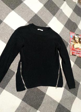 Женский свитер с замочками от gina tricot