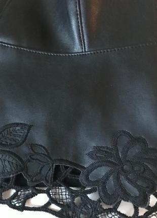 Кожаный топ с вышивкой zara / s8 фото
