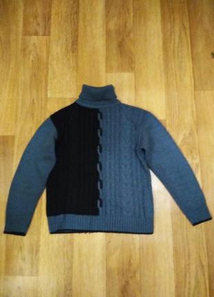 Зимний свитер под горло