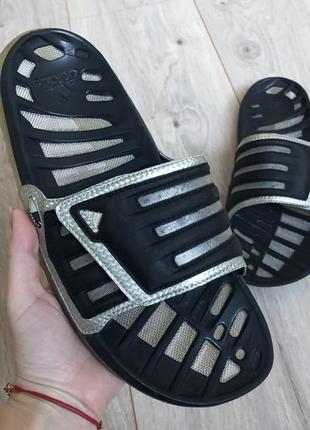 Тапочки adidas р. 42