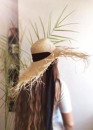 Солом'яний капелюх • соломенная широкополая шляпа с равными краями
